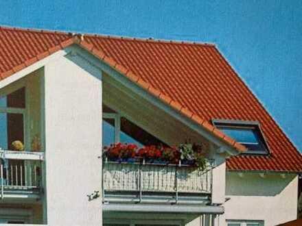 Charmante 3-Zimmer-DG-Wohnung mit Balkon und Einbauküche in Waldbronn