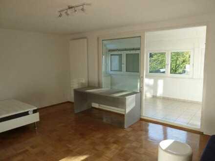 Zimmer in 3er WG mit privatem Wintergarten!
