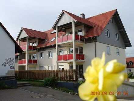 Schöne, helle Neubauwohnung mit Balkon