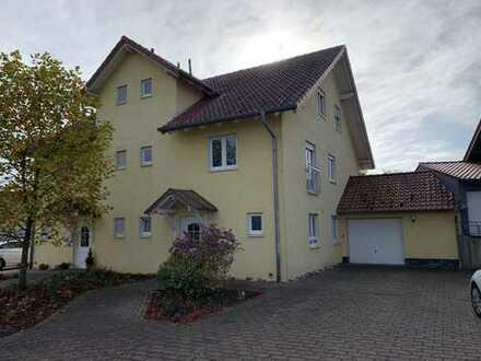 Neu renovierte Doppelhaushälfte