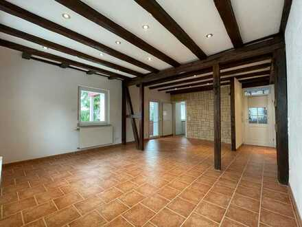 Erstbezug nach Sanierung: freundliche 3-Zimmer-Wohnung mit Einbauküche und Balkon in Gärtringen