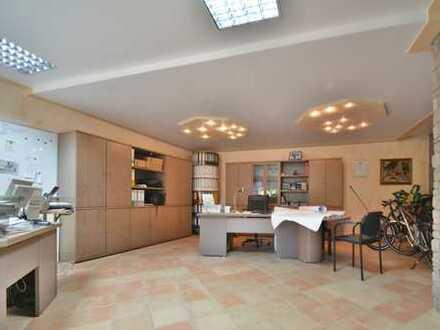 Geräumiges Büro oder 1-Zimmer Apartment in gefragter Ortslage von Mommenheim? Sie haben die Wahl.