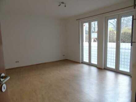Frisch renovierte, gemütliche 1-Raum-Wohnung, Bad mit Wanne