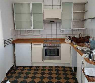Gepflegte 2,5-Zimmer-Dachgeschosswohnung mit Einbauküche in Pforzheim