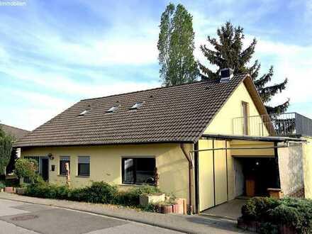 VIEL PLATZ: Freistehendes Mehrgenerationenhaus mit 3 Balkonen!