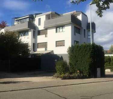 Exklusive, neurenovierte, geräumige und sanierte 4-Zimmer-Wohnung mit Balkon und EBK in Filderstadt