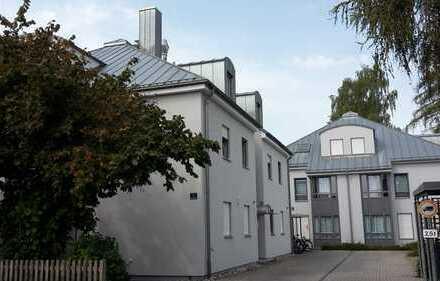 Schöne, helle, ruhige, geräumige 3,5 Zimmer Dachgeschosswohnung in Ingolstadt