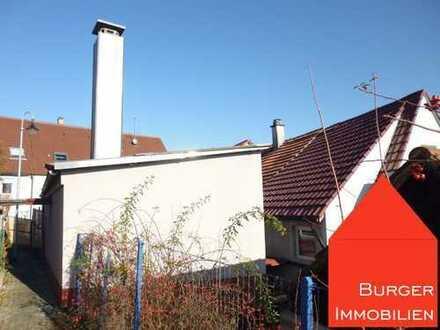 Zwei kleine Häuser mit kleinem Garten, Schuppen und Stellplätzen im Ortskern von Enzberg