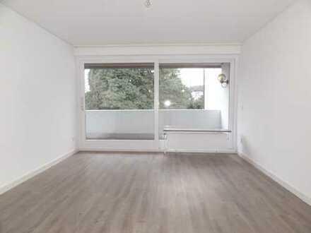 Ruhe und Natur! Helle 3 Zimmer Wohnung mit Balkon und zusätzlichem Souterrainzimmer im Grünen