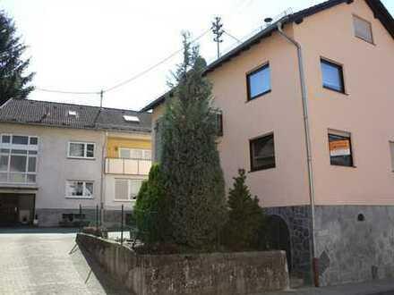 Selbstnutzung und Kapitalanlage in Einem – Zwei Mehrfamilienhäuser in zentraler Lage in Altenbach !