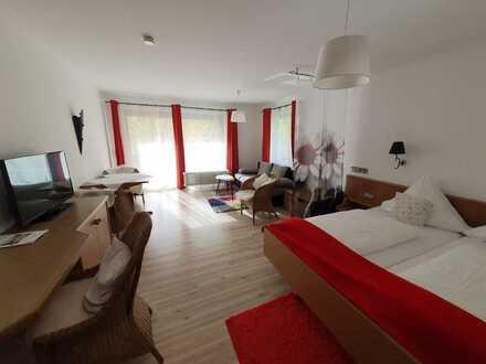 Gepflegte 1-Zimmer-Wohnung mit Balkon und Einbauküche in Bad Teinach-Zavelstein
