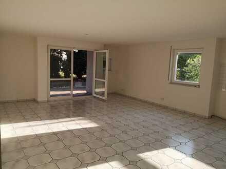 Helle, gepflegte 3-Zimmer-Wohnung mit Terrasse in Straubenhardt-Schwann