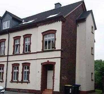 frisch renovierte DG-Wohnung im denkmalgeschützten Haus