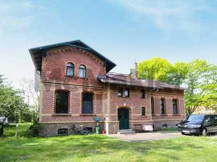 Stilvoll, gepflegt, herrschaftlich: Anwesen mit MFH mit 3 Wohneinheiten & weiterer Baugenehmigung