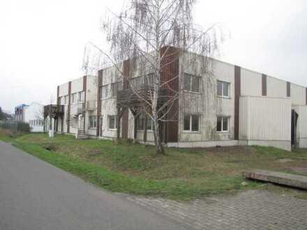 Entwicklungsfähige Gewerbehalle mit Büro- und Wohnungstrakt in der nähe zu Magdeburg