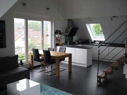 Schöne, helle, exklusive 4-Zimmer-DG-Wohnung mit Galerie, Südbalkon und Hobbyraum