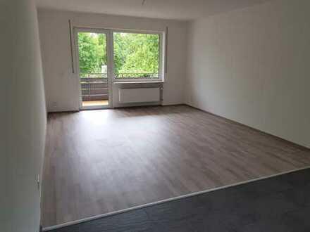 ERSTBEZUG – 2 Zi.-Whg. in Herrenberg-Kernstadt mit Süd-Balkon und EBK – VON PRIVAT !