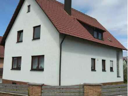 Attraktive 4-Zimmer-Dachgeschosswohnung mit EBK in Burglengenfeld