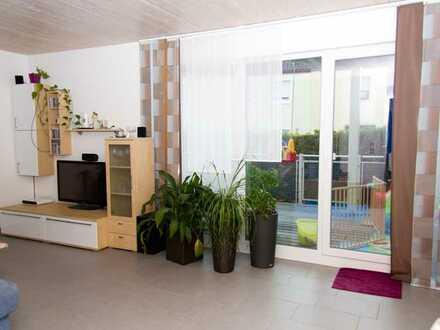 Helle, ruhige und neuwertige 4-Zimmer Wohnung
