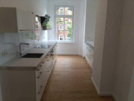 Geräumige und luxuriöse 4-Zimmer-Wohnung, Erstbezug nach Sanierung!