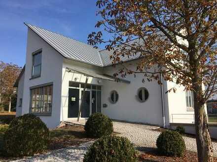 Schöne, sonnige drei Zimmerwohnung in Südliche Weinstraße (Kreis), Heuchelheim-Klingen