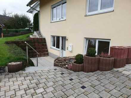 Frisch renovierte 2-Zimmer Einliegerwohnung mit Terrasse und Einbauküche in Deißlingen