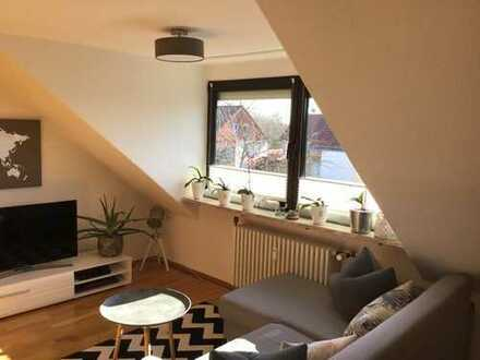 Ideal aufgeteiltes, saniertes 2-Zimmer-Dachgeschoss-Appartement mit Einbauküche in Freising