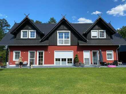 Neuwertige 3-Raumwohnung mit 2 Terrassen, Klimaanlage, Kamin, Einbauküche