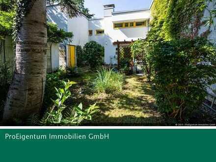 Großzügige 3,5-Zi-ETW mit uneinsehbaren Garten & Freischwimmbad & Baudenkmal & Erbbaurecht