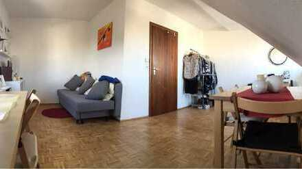 Klein aber Oho! Exklusive 1-Zimmer-Dachgeschosswohnung mit EBK in Bergisch Gladbach