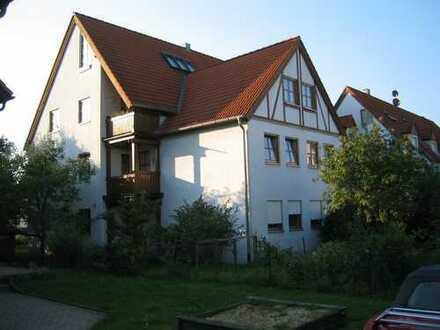 Gepflegte 4-Zimmer-Wohnung mit 2 Balkonen und Einbauküche in Eckental