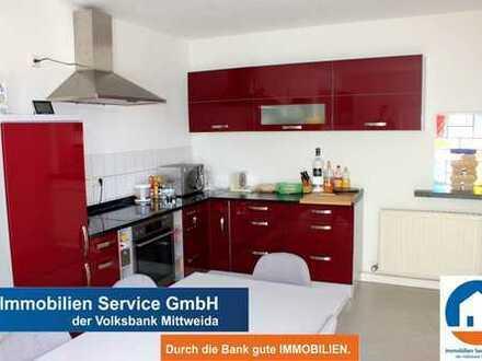 3-Raum Wohnung mit Balkon und neuer Einbauküche -WG geeignet