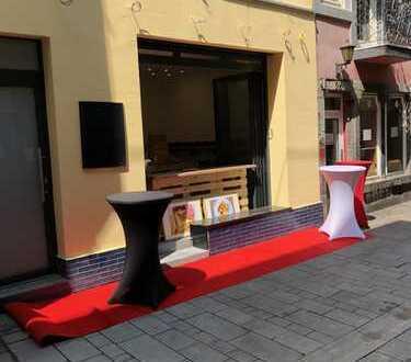 Möblierter Sandwich-Imbiss in Düsseldorfer Altstadt zu vermieten von PRIVAT!!!!