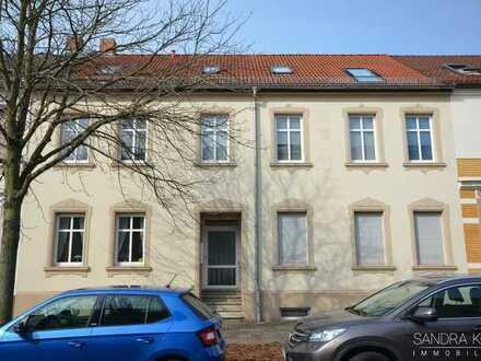 neu renovierte 2,5-Raum-Wohnung inmitten von Ziebigk