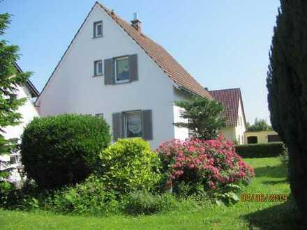 Kleines, älteres Haus mit großen Erweiterungsoptionen