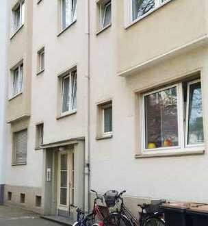 Gut geschnittene, helle Zweizimmerwohnung im Belgischen Viertel