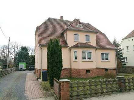 Schönes Einfamilienhaus mit großem Grundstück inkl. Garagenkomplex in Lohsa, Seenland, Solar