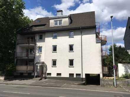 helle, schöne 2-Zi-Wohnung mit Balkon und hochwertigem Parkettboden
