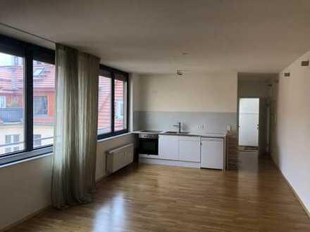 Geräumige 1-Zimmer-Loft-Wohnung zur Miete in Mitte, Berlin
