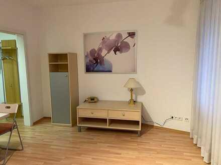Maisonette-Wohnung mit zwei Zimmern und Einbauküche in Wernau
