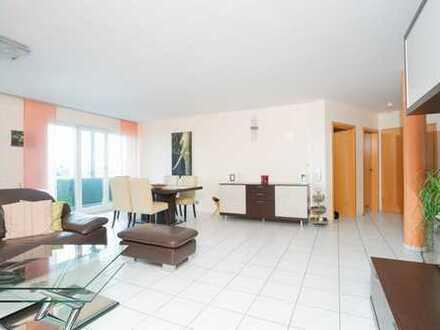 Großzügige 3-Zimmer Wohnung mit Balkon und Tiefgaragenstellplatz über den Dächern von Ulm