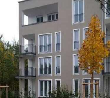 Exklusive, helle und moderne 4-Zimmer-Wohnung mit Balkon und Einbauküche in München, Berg am Laim