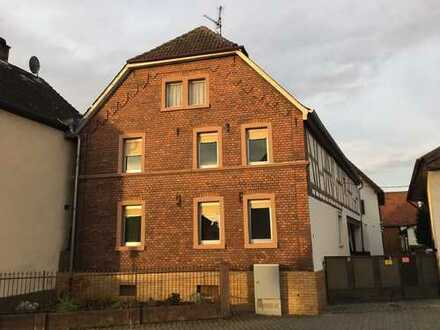 Schönes Haus mit fünf Zimmern in Offenbach (Kreis), Rodgau, WG-geeignet
