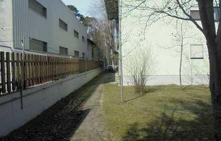 Gewerbeimmobilie mit 3 Wohnungen, Biergarten und Halle