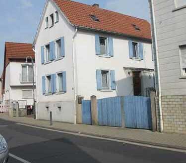 Bauernhaus Nidderau Heldenbergen - Hof, Scheune, Garten vorh