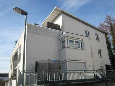 *Individuell moderne 4-Zimmer Hochpaterre-Wohnung mit separat eigenen Außenzugang*