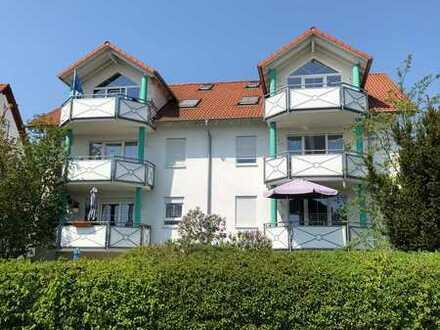 Sehr schöne 4-Zimmer Terrassenwohnung mit separatem Eingang, Einbauküche in Ofterdingen