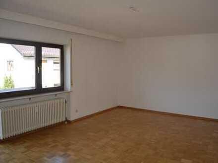 Großzügig & hell - Platz für die ganze Familie. 4-Zimmer-Wohnung mit Garage und 2x Balkon