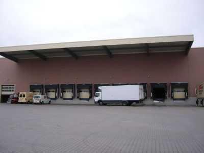 Moderne Lagerflächen mit Büroflächen zu vermieten