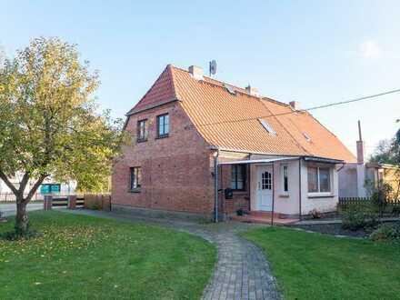 ☆ ☆ ☆ ☆ ☆ Solide Doppelhaushälfte in Schorrentin-Neukalen, 50 Minuten bis Rostock ☆ ☆ ☆ ☆ ☆